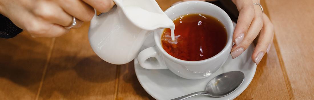 El té ¿Qué va primero el agua o la leche? Conoce el orden correcto!